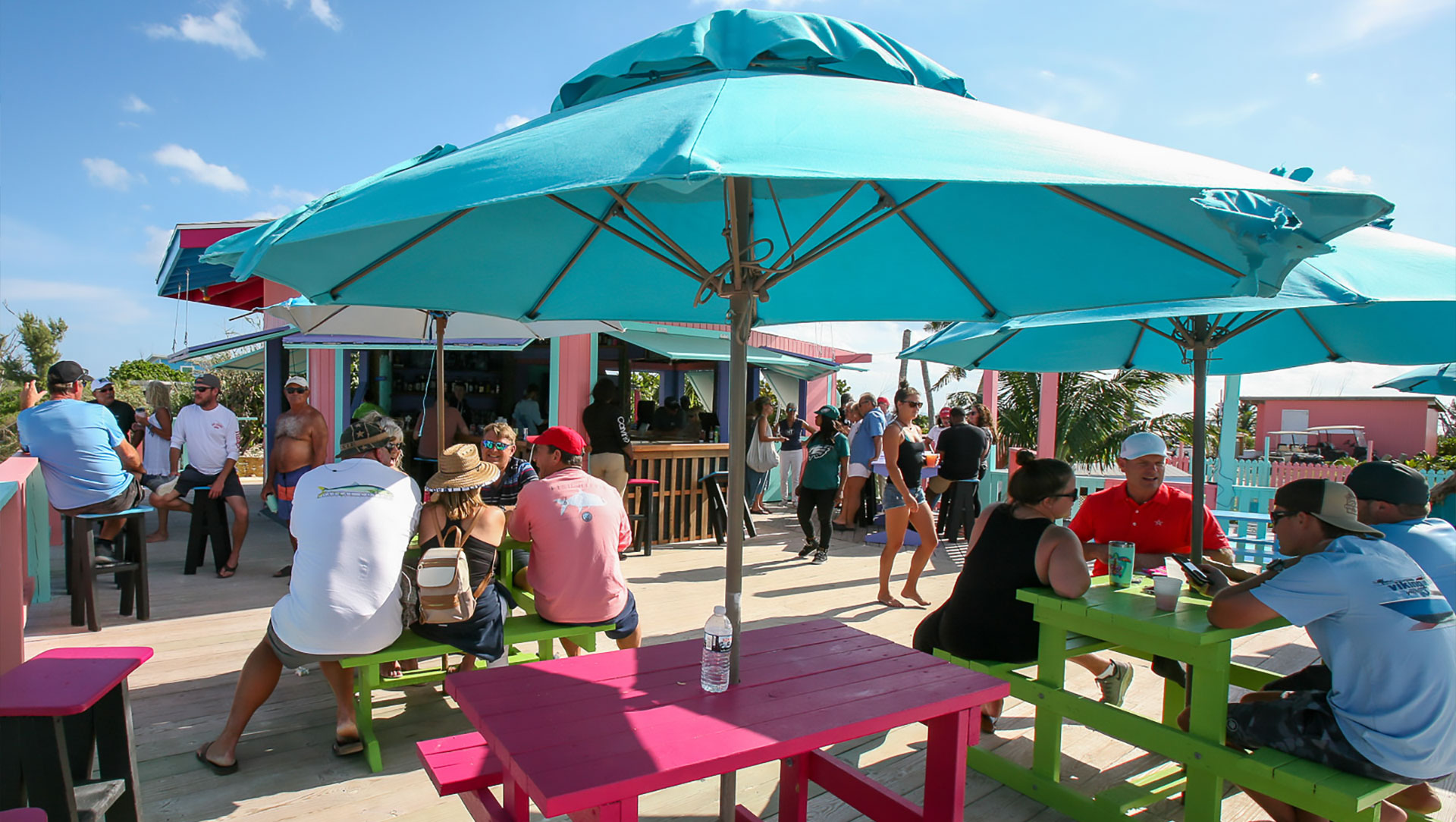 Nipper's Beach bar on Guana Cay - Aerial to the beach