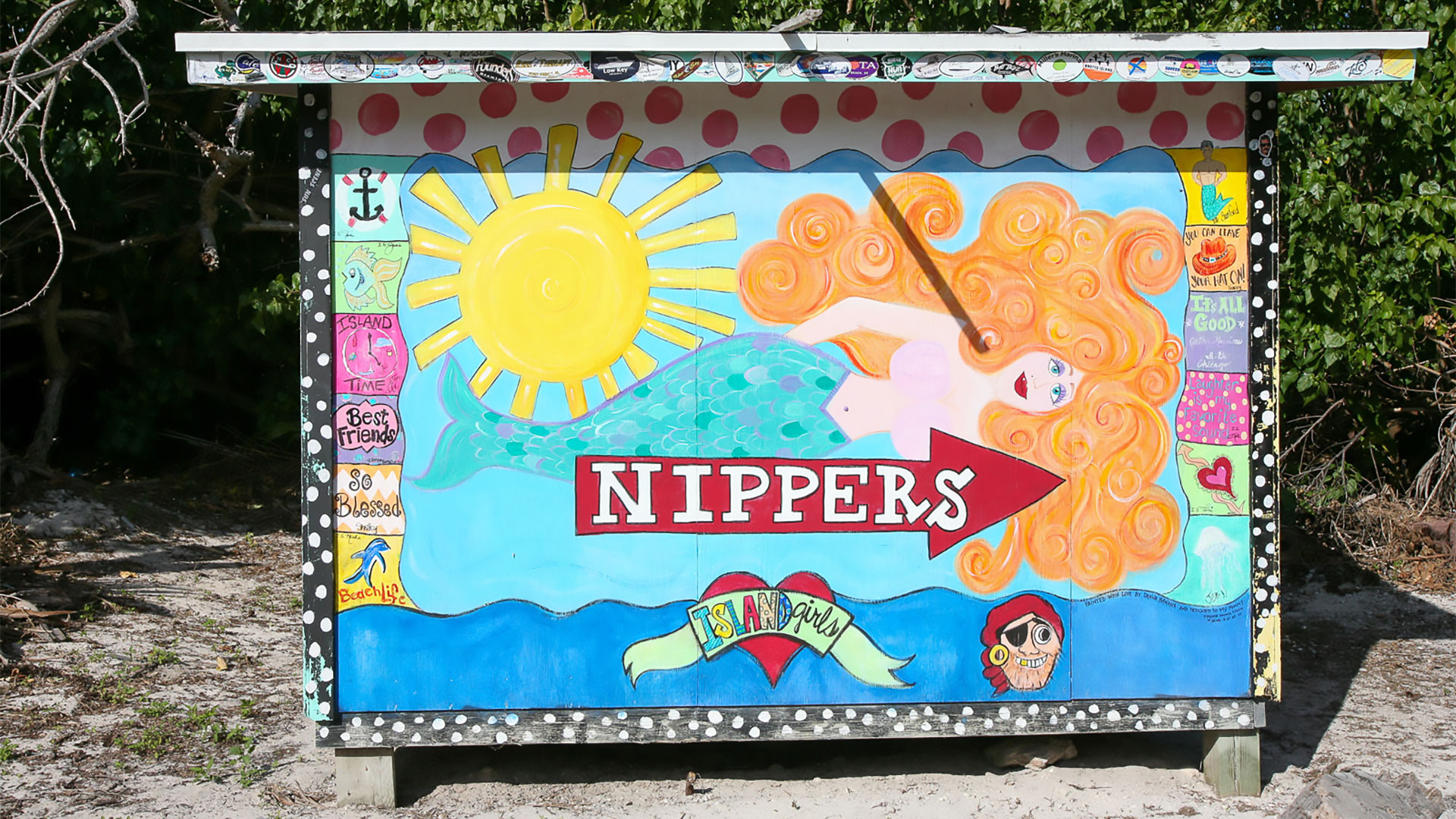 Nipper's Beach bar on Guana Cay - Our store